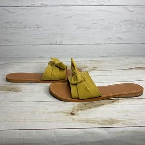 Abercrombie & Fitch Yellow Bow Slide Sandal